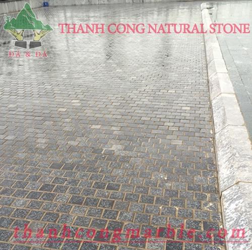 Bluestone Gardening Tile 04
