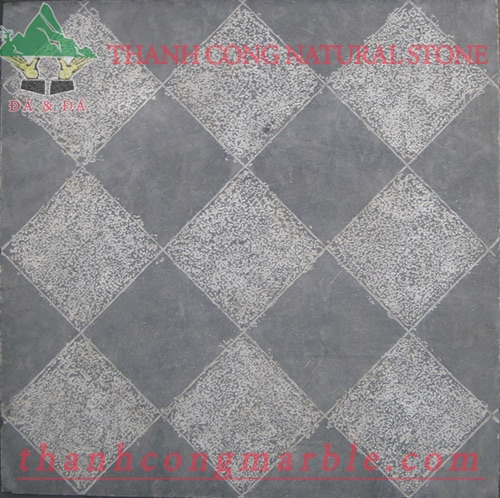 Hammered Bluestone Gardening Tile 02